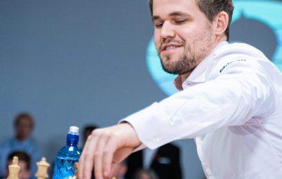 Magnus Carlsen hyn në historinë e shahut, 111 përballje pa disfatë