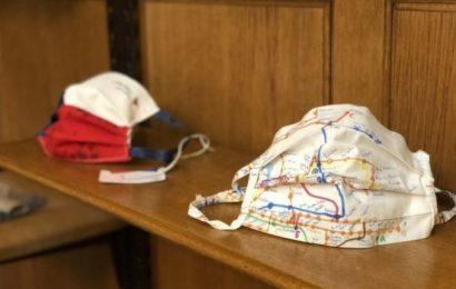 Muzeu Kombëtar në Pragë me ekspozitë maskash si simbol solidariteti