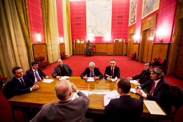 Anulohet takimi i partive shqiptare i paraparë për sot