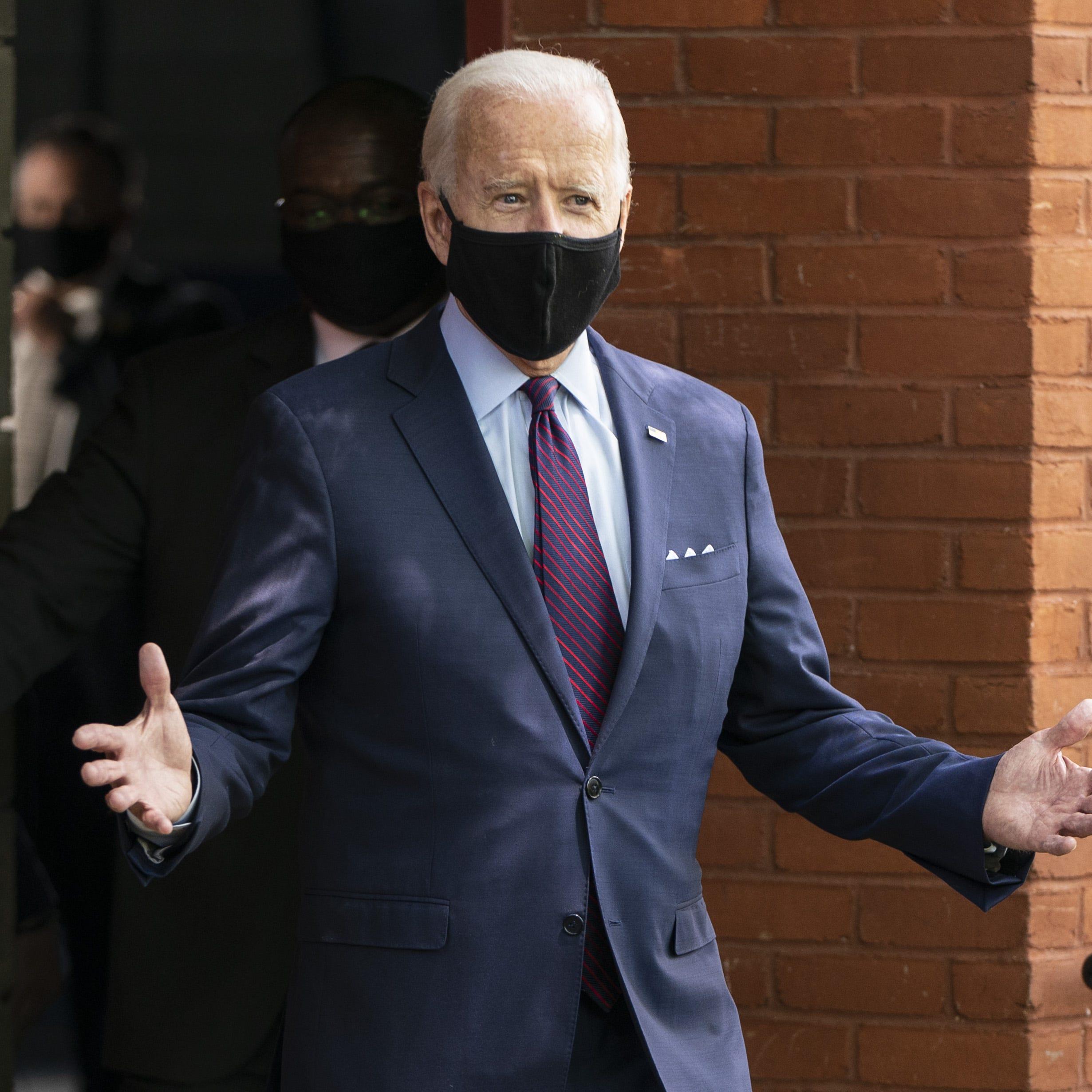 Joe Biden dhe Pence do të vaksinohen publikisht