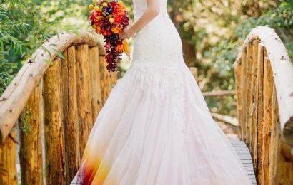 """Një artiste e pazakontë, dizajnoi fustanin e rrallë të dasmës me """"zjarr"""""""
