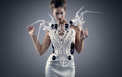 Wipprecht krijon fustanin që ndryshon formën duke u bazuar në valët aktive të trurit.