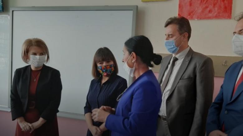 Carovska sot vizitoi Tetovën: Nëse së bashku ballafaqohemi me sfidat, ato më lehtë do të tejkalohen
