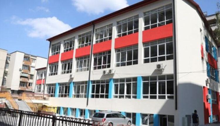 Shkollat dhe çerdhet në Maqedoni mbeten të hapura