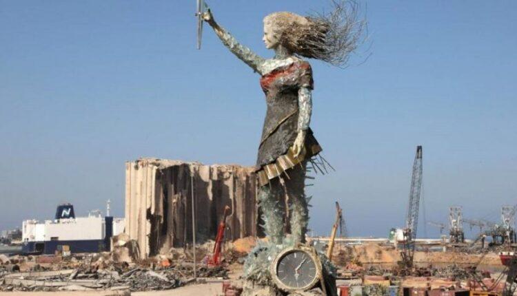 Artistja libaneze, krijoi statujë nga mbetjet e shpërthimit në simbol shprese