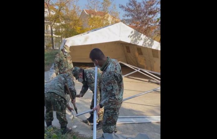 Ushtria po ndërton spital modular për pacientët me Covid-19 në Kumanovë