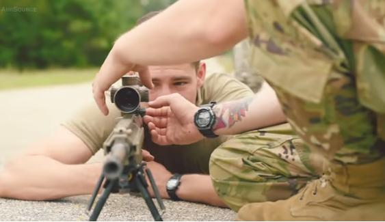 Ja si trajnohen snajperistët amerikanë për luftë në shkollën e snajperit
